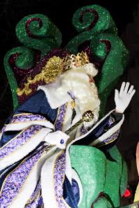 El Rei blanc dalt de la seva carrossa a Esplugues